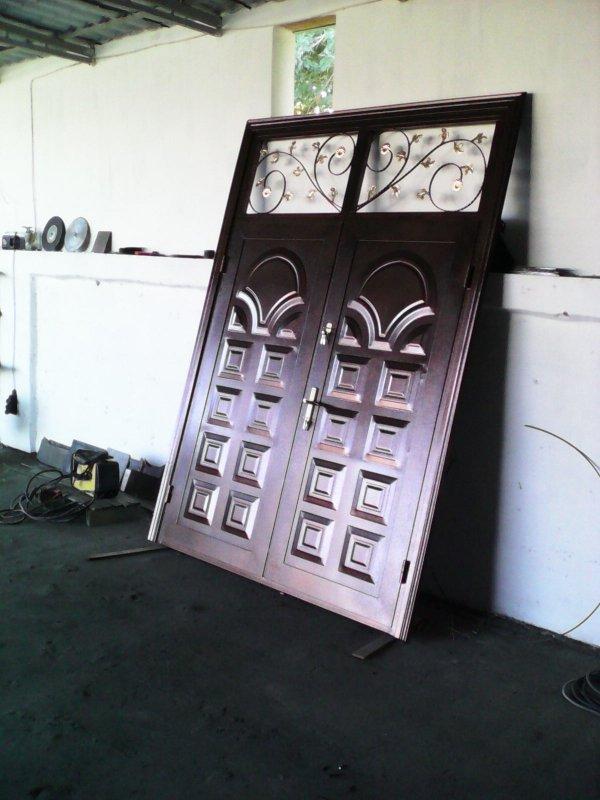 Купить Железные ворота,входные двери а также другие изделие из метало.
